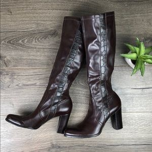 Pull On Stretch Burgundy Boot